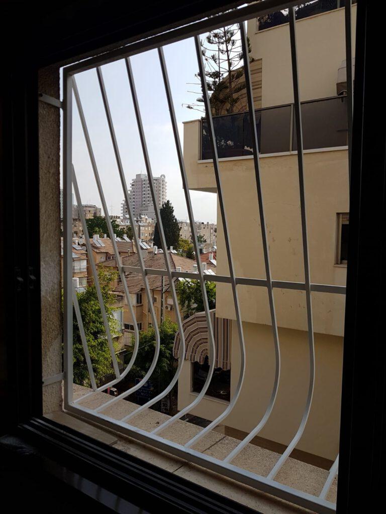 סורגים לחלון