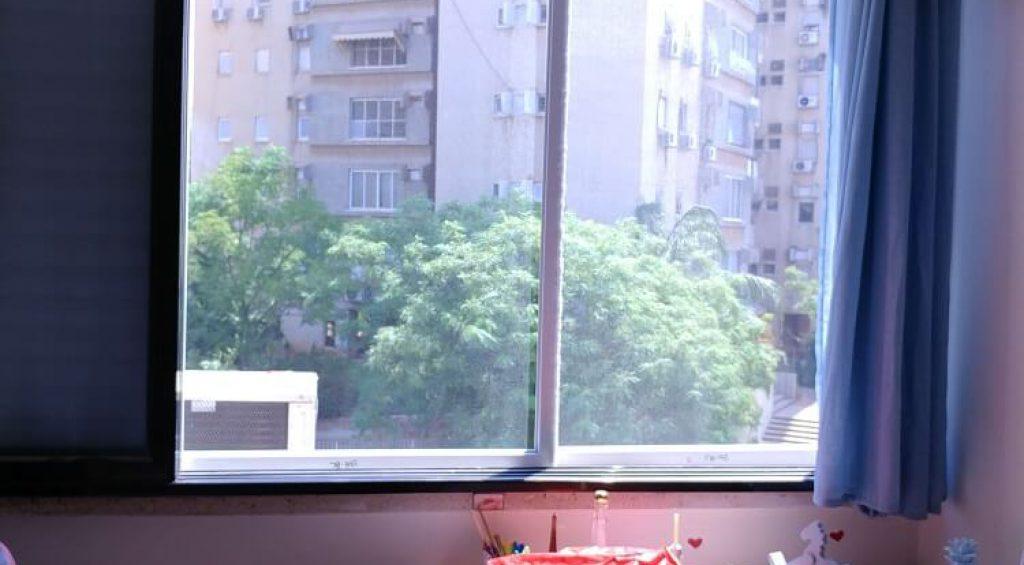 רשת ויטרינה לחלון גדול